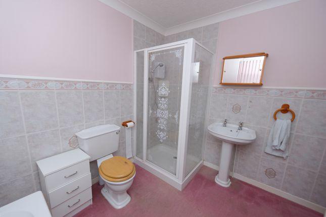 Bathroom of Peterdale Road, Brimington, Chesterfield S43