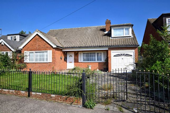 Thumbnail Detached bungalow for sale in Sandon Road, Cheshunt, Hertfordshire
