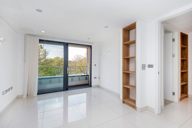 Thumbnail Flat to rent in Prince Of Wales Road, London