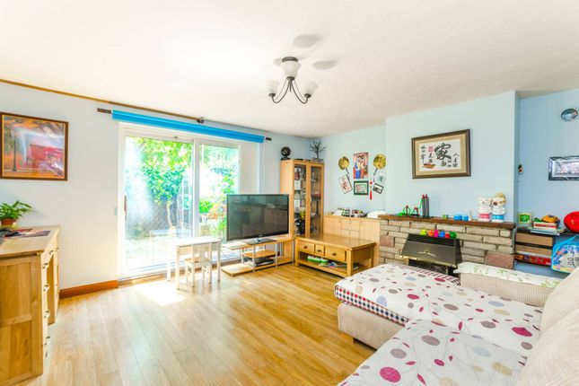 Thumbnail Maisonette to rent in Surrey Street, Plaistow, London