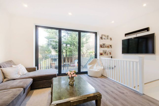 Thumbnail Flat to rent in Thornton Hill, Wimbledon