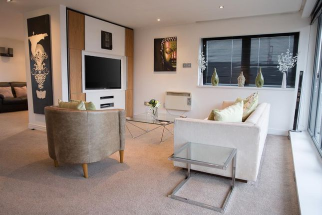 Thumbnail Flat to rent in Penthouse, Islington Gates, Fleet Street