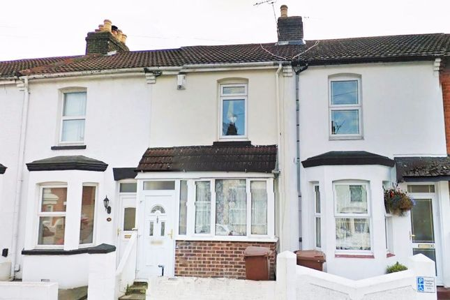 Thumbnail Terraced house to rent in St. Johns Road, Gillingham