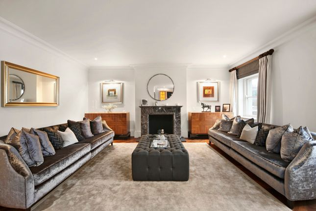 Thumbnail Flat for sale in Eaton Place, London