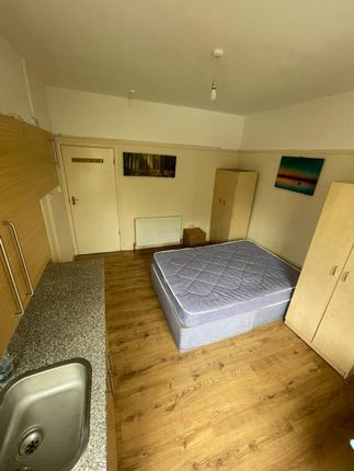 Thumbnail Studio to rent in Cannon Hill, London