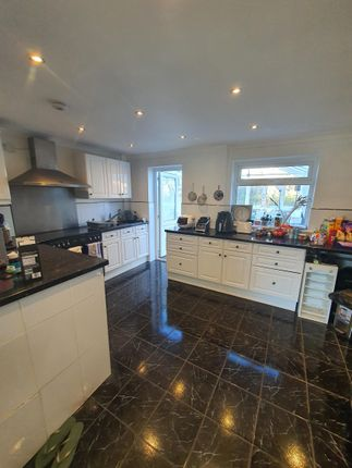 Thumbnail Property to rent in Nightingale Road, Selsdon, South Croydon