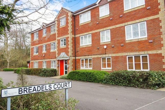 Thumbnail Flat to rent in Breadels Field, Beggarwood, Basingstoke