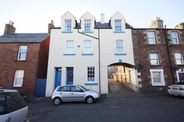 Thumbnail Flat to rent in Castle Street, Dunbar