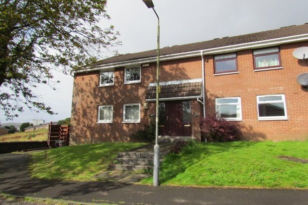 Thumbnail Flat to rent in Gateside Grove, Greenock