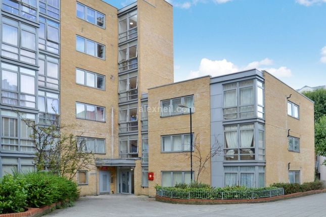 Thumbnail Flat for sale in Cassilis Road, London