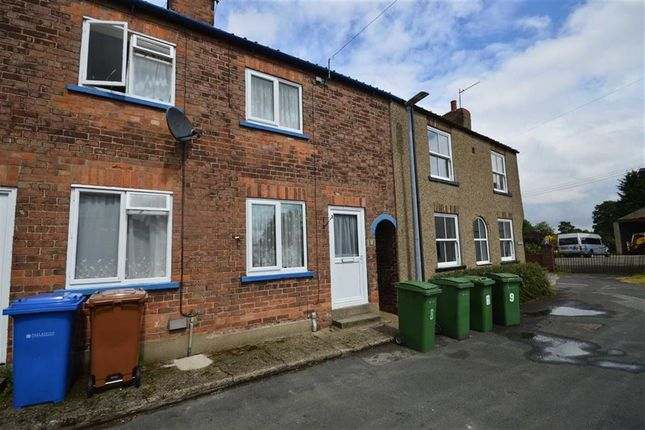 Thumbnail Terraced house to rent in Stockwell Lane, Brandesburton, Driffield