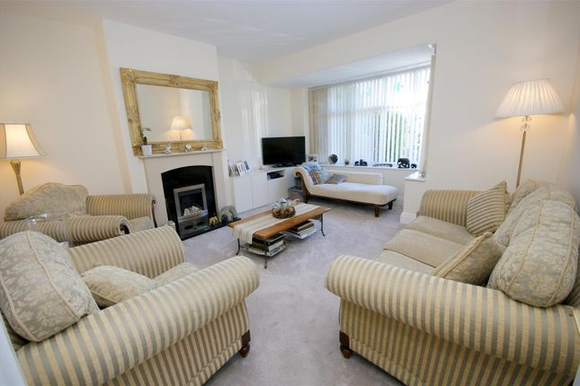 Living Room of Smithy Carr Lane, Brighouse HD6