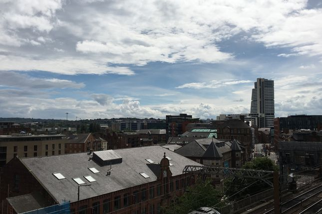 Thumbnail Flat to rent in Cloth Hall Street, Leeds