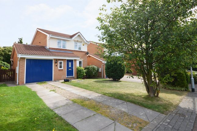 Thumbnail Detached house to rent in Stonelea Court, Meanwood, Leeds, West Yorkshire