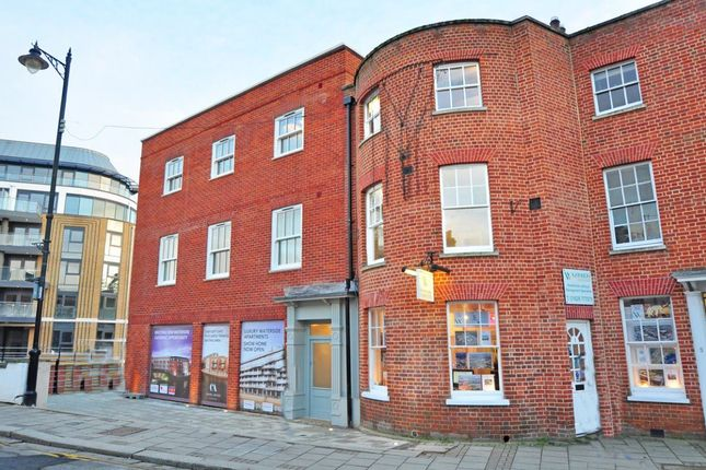 Thumbnail Flat to rent in High Street, Maidenhead