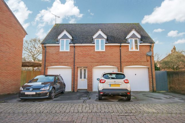2 bed property to rent in Ursa Way, Swindon SN25