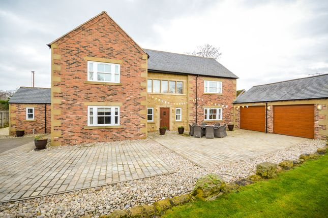 Thumbnail Detached house for sale in Oulton Lane, Rothwell, Leeds
