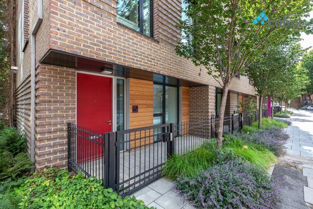 Thumbnail Maisonette to rent in Rodney Road, London