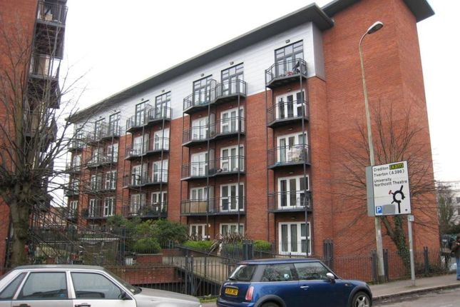 Thumbnail Flat to rent in Marcus House, New North Road, Exeter, Devon