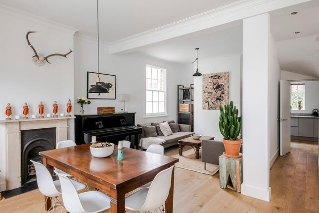 Thumbnail Town house to rent in Buttesland Street, London