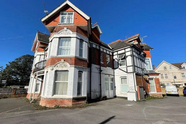 3 bed flat for sale in Horace Road, Boscombe, Bournemouth BH5