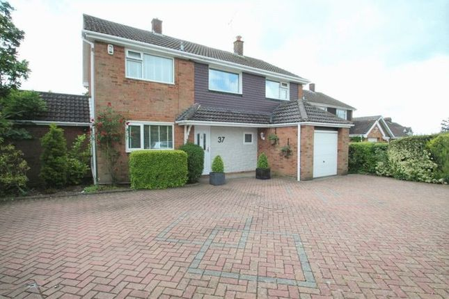Thumbnail Detached house for sale in Totternhoe Road, Dunstable, Bedfordshire