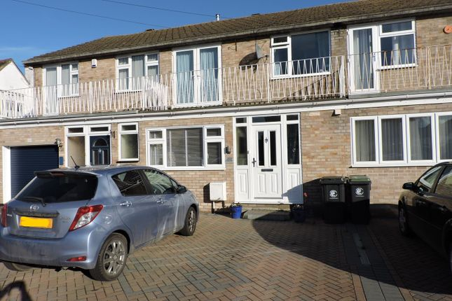 Thumbnail Terraced house to rent in Old Nazeing Road, Broxbourne