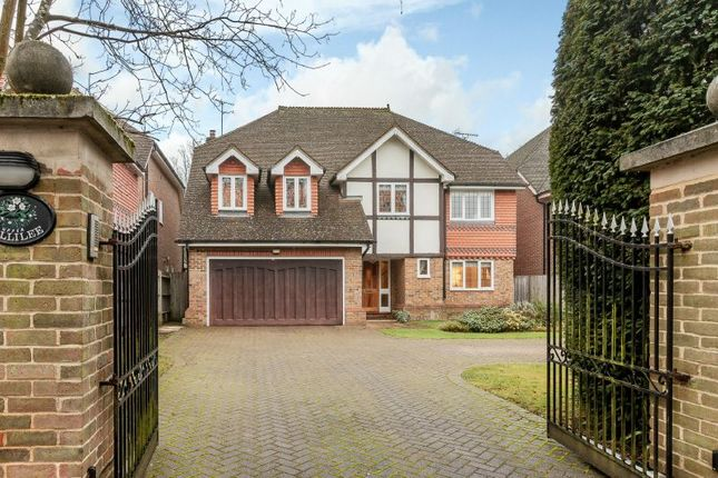 Thumbnail Detached house for sale in Oakleigh Road, Hatch End, Middlesex