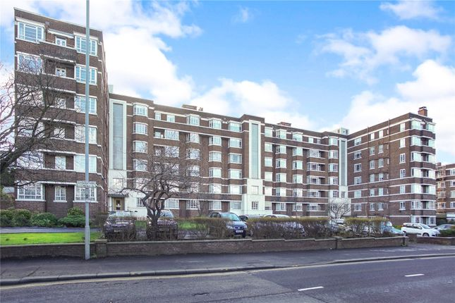 3 bed flat for sale in First Floor Flat, Kelvin Court, Glasgow G12