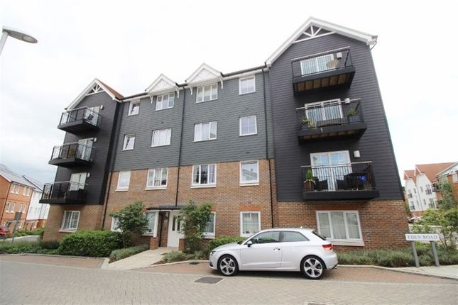 Thumbnail Flat to rent in Eden Road, Dunton Green, Sevenoaks
