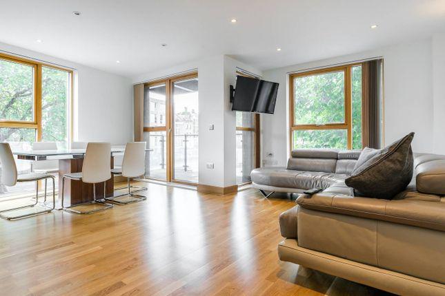 Thumbnail Flat to rent in New Kent Road, Southwark, London