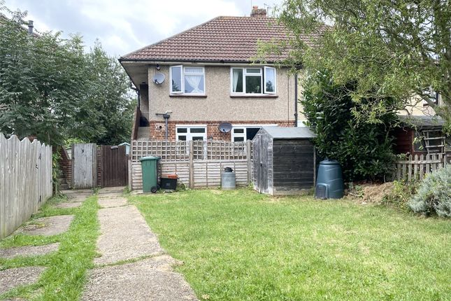 Thumbnail Maisonette to rent in Victoria Close, Horley, Surrey