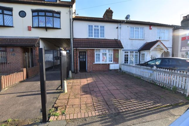 1 bed flat to rent in Albert Road, Romford RM1