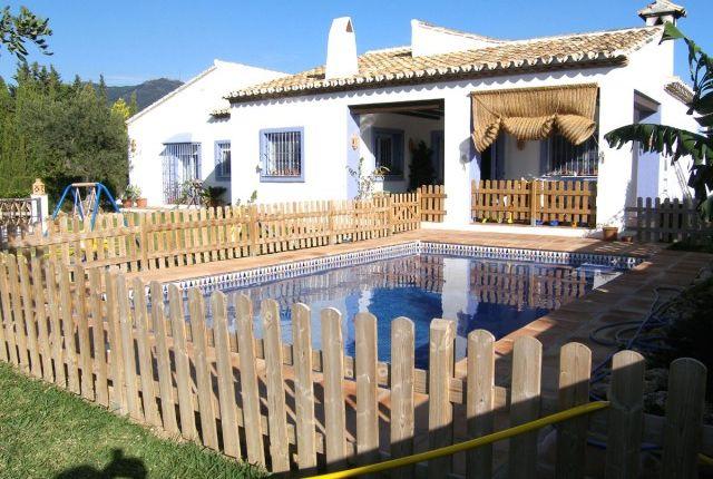 4 bed villa for sale in Spain, Málaga, Mijas