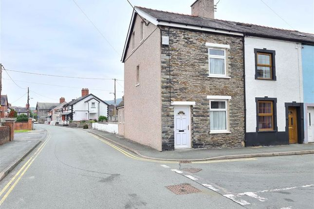 Thumbnail End terrace house for sale in Heol Iorwerth, Machynlleth
