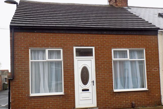 2 bed bungalow to rent in Percival Street, Pallion, Sunderland SR4