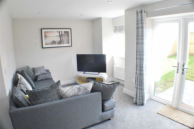 2 bed terraced house to rent in Forest Road, Kingswood, Bristol