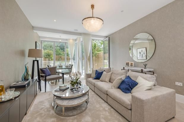 Thumbnail Maisonette for sale in Langland Gardens, Hampstead, London
