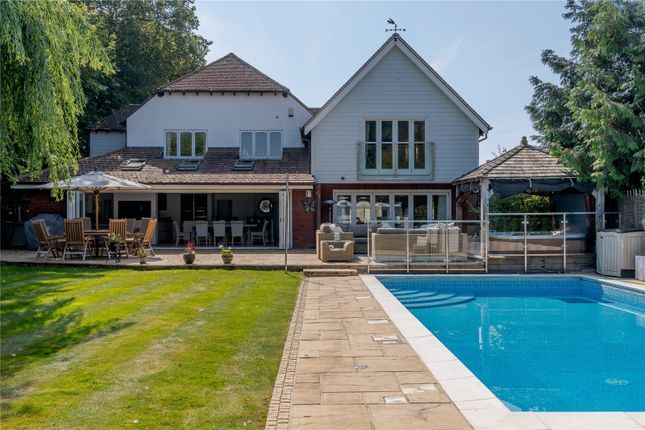 Thumbnail Detached house for sale in Burnham-On-Crouch, Essex