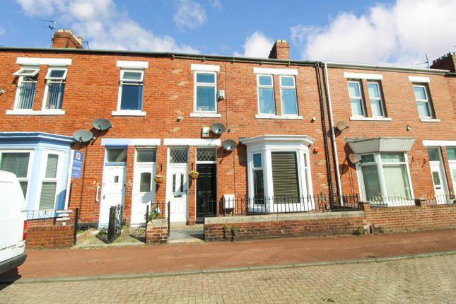 2 bed flat to rent in Roker Baths Road, Sunderland SR6