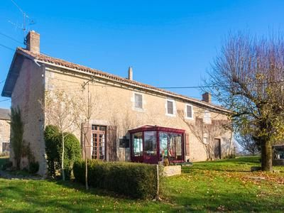 Thumbnail Equestrian property for sale in Le-Vigeant, Vienne, France