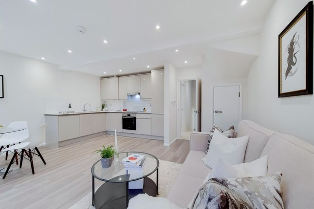 3 bed flat for sale in Portnall Road, London W9