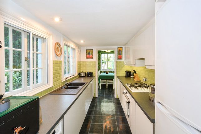 2 bed mews house to rent in Roupell Street, Waterloo, London SE1