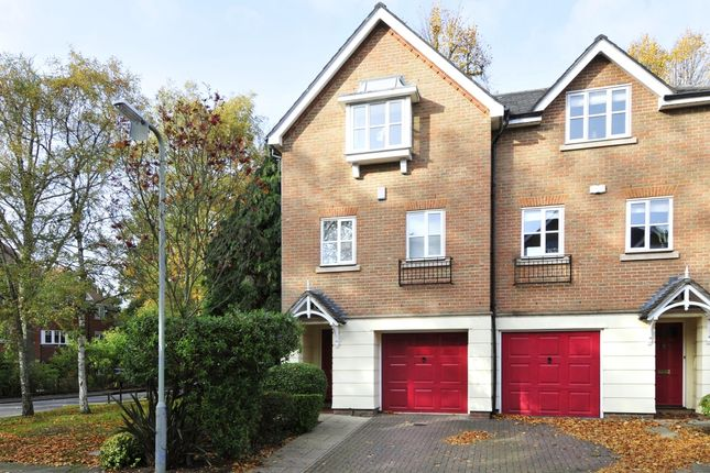 Thumbnail Town house to rent in Molteno Road, Watford