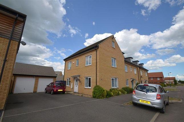 Thumbnail Property to rent in Woodward Drive, Gunthorpe, Peterborough