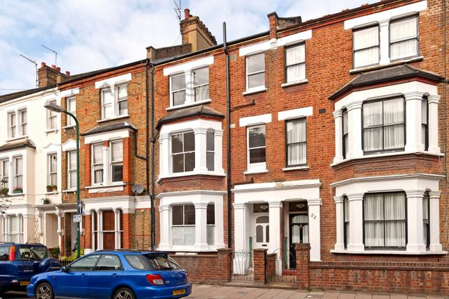 Thumbnail Flat for sale in Glengall Rd, London