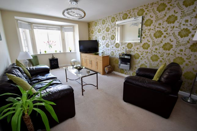 Thumbnail Flat to rent in Lapwing View, Horbury Bridge
