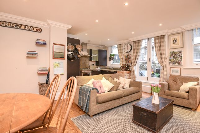2 bed flat for sale in Holloway Road, London
