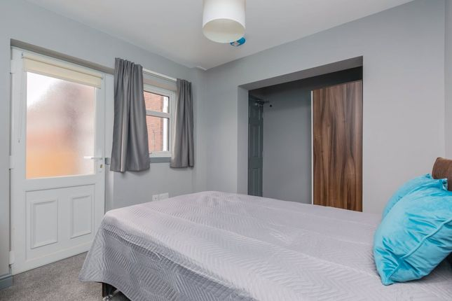 Thumbnail Room to rent in High Street, Shafton, Barnsley