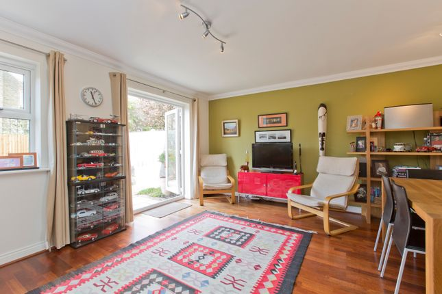 3 bed terraced house to rent in Clarence Mews, Clapham South, London